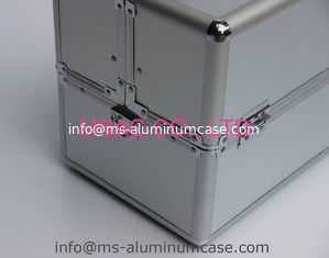 China Silver aluminum makeup cases cosmetics handbags beauty cases multi-trays makeup train case supplier