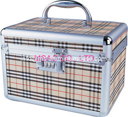 China England Plaid PVC Makeup Case With Small Size For Wowen,Cosmetic Makeup Boxes supplier