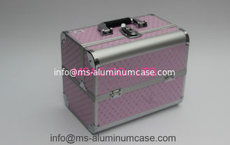 China Big Space Aluminium Lockable Vanity Case , Makeup Travel Box Wear Resistant supplier