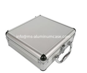 China Small SilverAluminium Cosmetic Case With Inside Mirror And Chrome Closure Clasp supplier