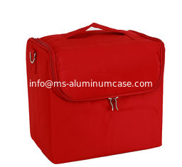 China Professional Beauty Bag With Zipper Makeup Train Case With Shoulder Strap supplier